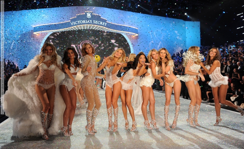 Victoria's Secret Fashion show 2013 final scene (Lexington Avenue Armory, New York, 13.11.2013)